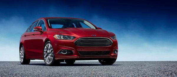 ford-mondeo-2013-8