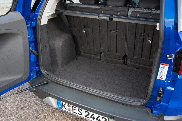 ford ecosport les avantages d une petite voiture et d un suv. Black Bedroom Furniture Sets. Home Design Ideas