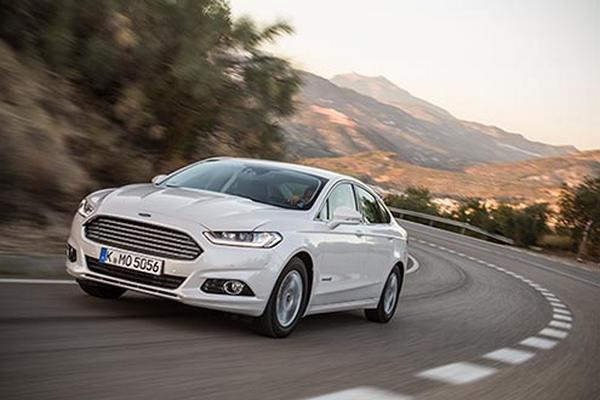 Ford Mondeo Hybrid- (1)