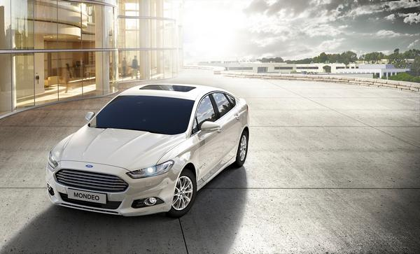 Ford Mondeo Hybrid- (2)