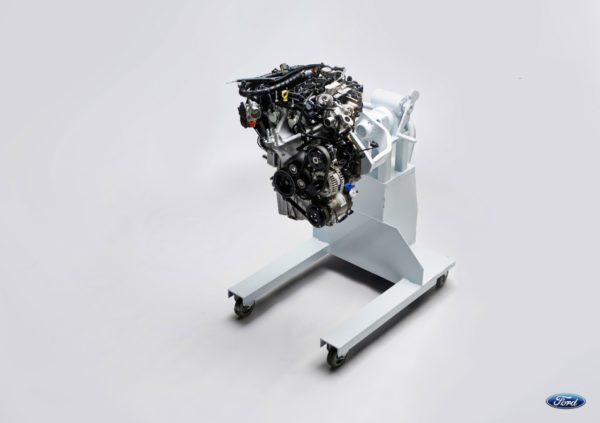 moteur ecoboost lu meilleur petit moteur pour la 5 me ann e cons cutive ford grim auto. Black Bedroom Furniture Sets. Home Design Ideas
