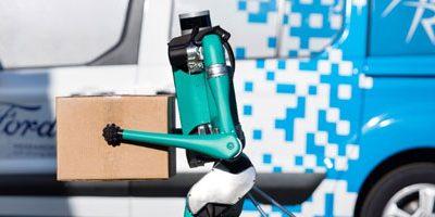 """Digit : Ford présente """"Digit"""", le robot humanoïde qui livre vos colis sur le pas de votre porte"""