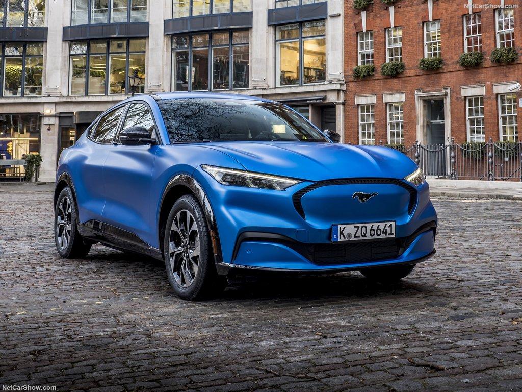 Mach-e 2020 bleu