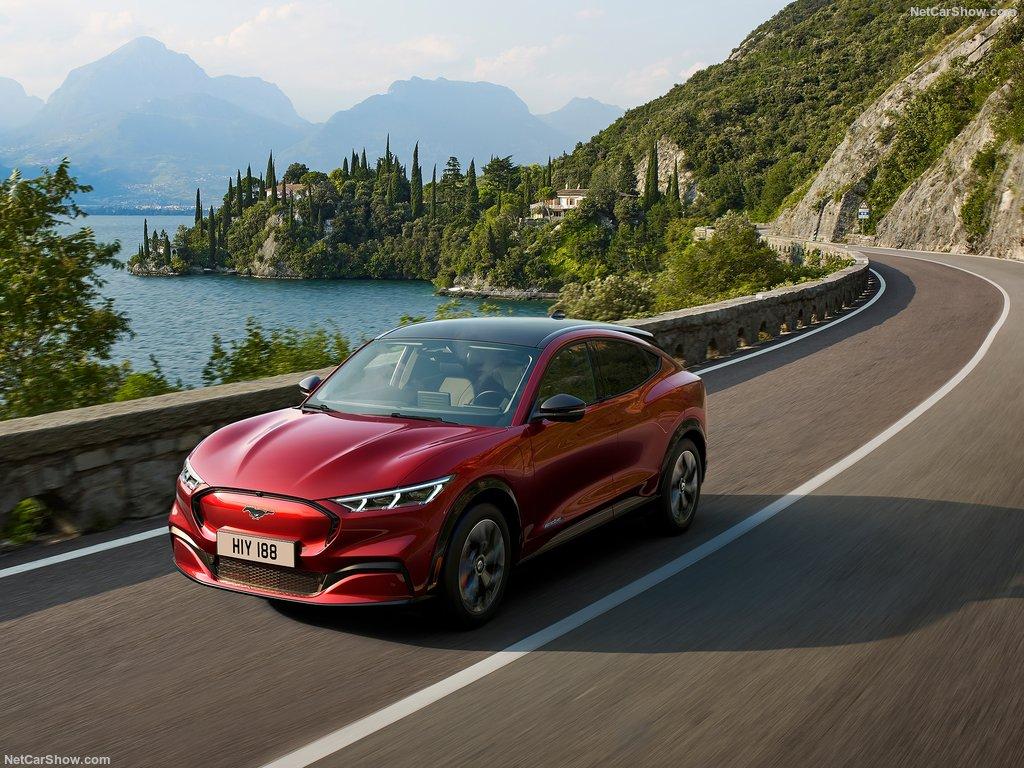 Mustang Mach-E rouge