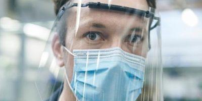 Ford fabrique masques et visières de protection pour ses employés