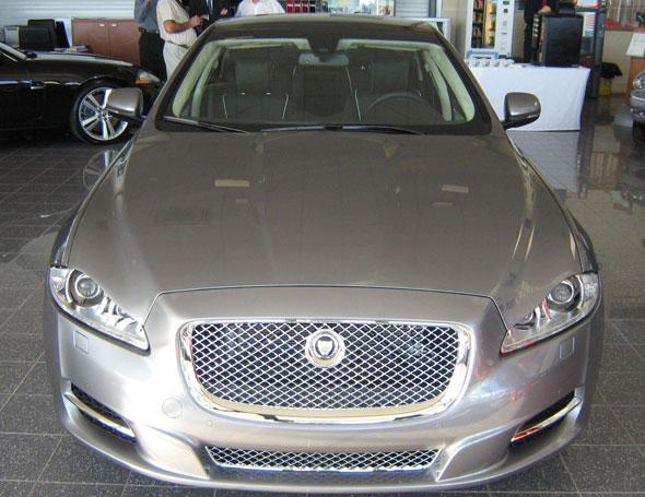 Pr sentation en avant premi re du nouveau jaguar xj jaguar montpellier land rover - Garage jaguar montpellier ...