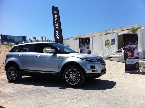 range rover evoque en avant premi re au carr blanc prestige automobile jaguar montpellier. Black Bedroom Furniture Sets. Home Design Ideas