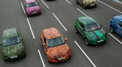 Le tout nouveau Range Rover Evoque avance camouflé