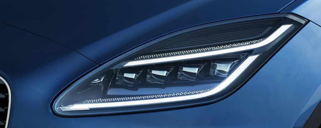 design phares nouvelle jaguar E-PACE