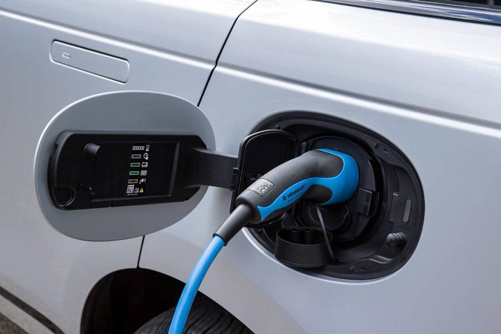 prise recharge range rover velar hybride rechargeable