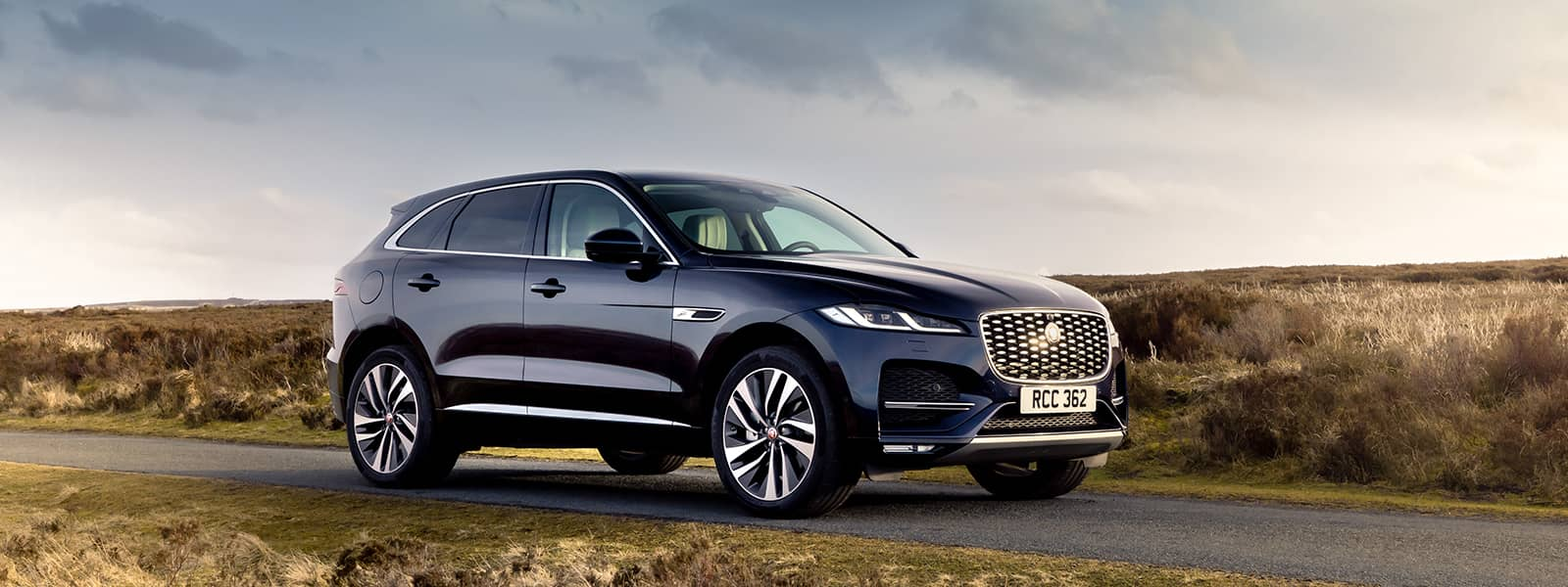 f pace interieur hybride rechargeable