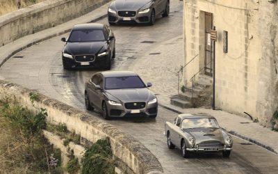 James Bond : la Jaguar XF fait ses débuts en 007