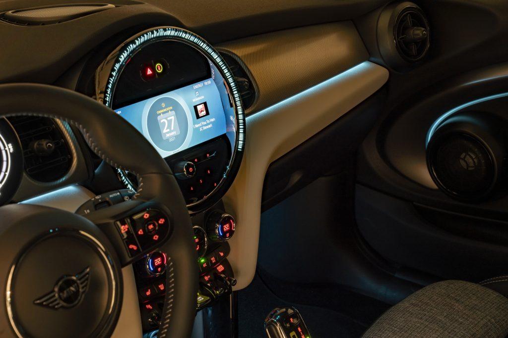 la MINI 3 portes, la MINI 5 portes, la MINI Cabriolet